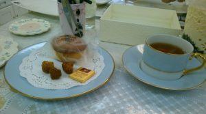 先生が作られたコーヒーカップとお皿。素敵です。