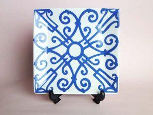 ガダルキヴィール風の飾り皿
